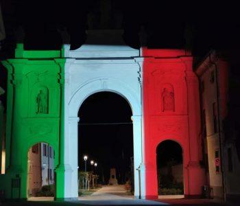 proiezione_del_tricolore_arco_di_cherasco